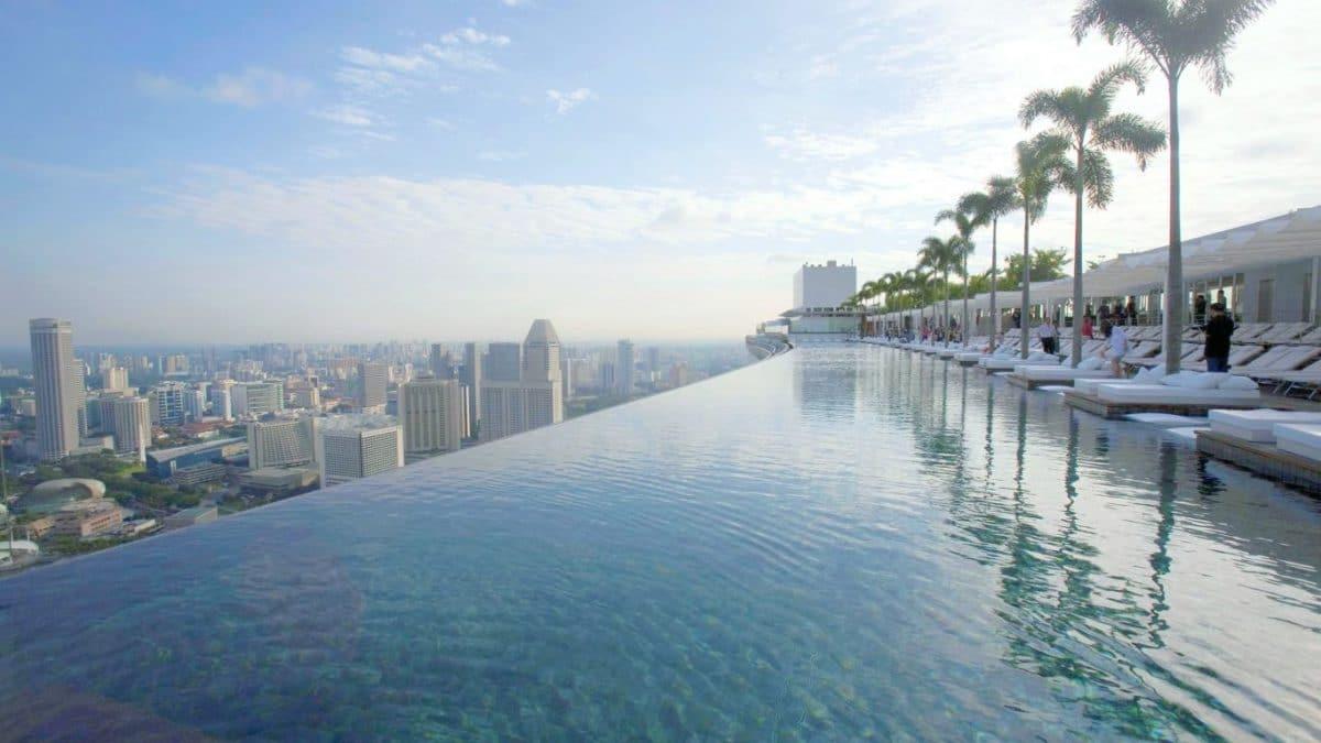 Hồ bơi skyview nhìn trực tiếp từ dự án Dragon City
