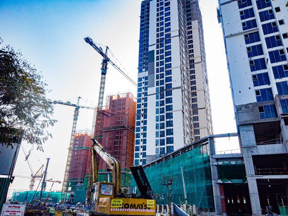 Tòa HR1 chủ yếu là loại căn hộ 2 phòng ngủ và 3 phòng ngủ, tiến độ thi công đang vượt mong đợi.
