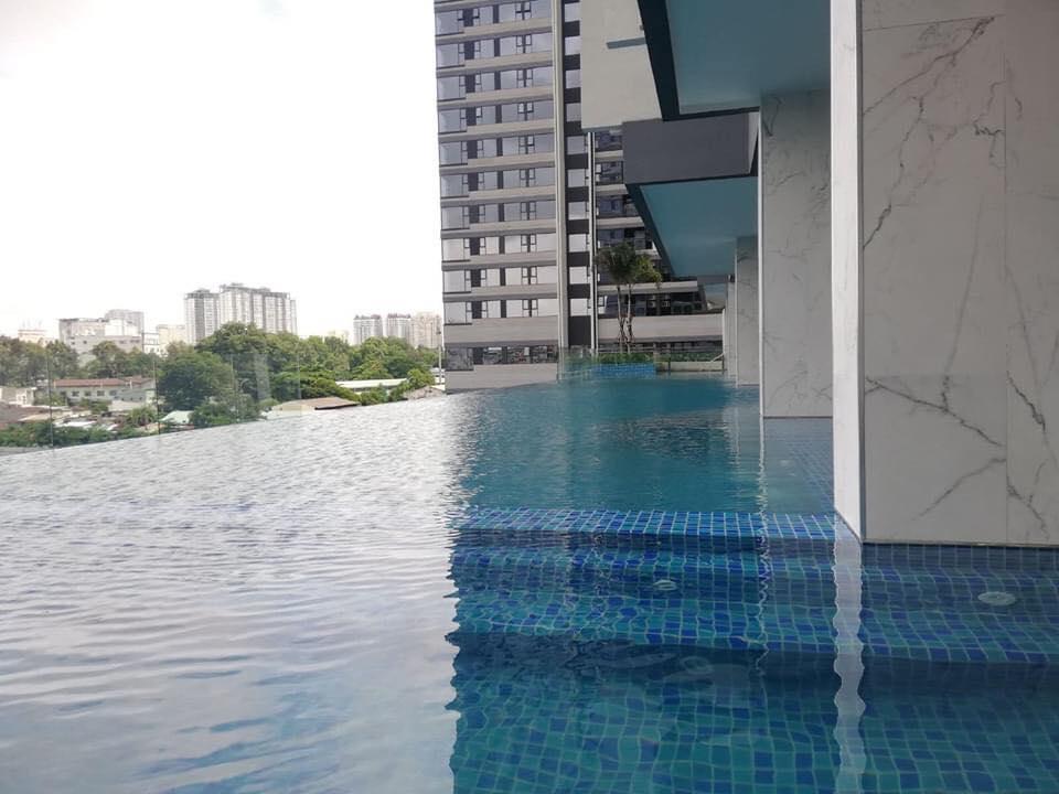Tiến độ dự án Kingdom 101 bàn giao tiện ích hồ bơi để phục vụ cư dân