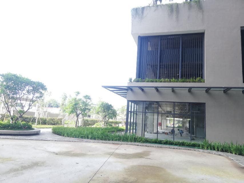 Không gian cây xanh trải khắp chân tòa nhà Kingdom 101