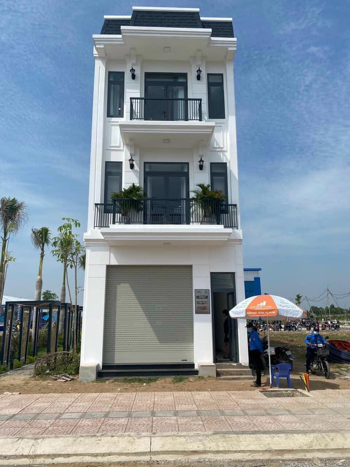 Hình ảnh hoàn thiện 1 căn nhà phố xây dựng theo thiết kế 1trệt 2lầu