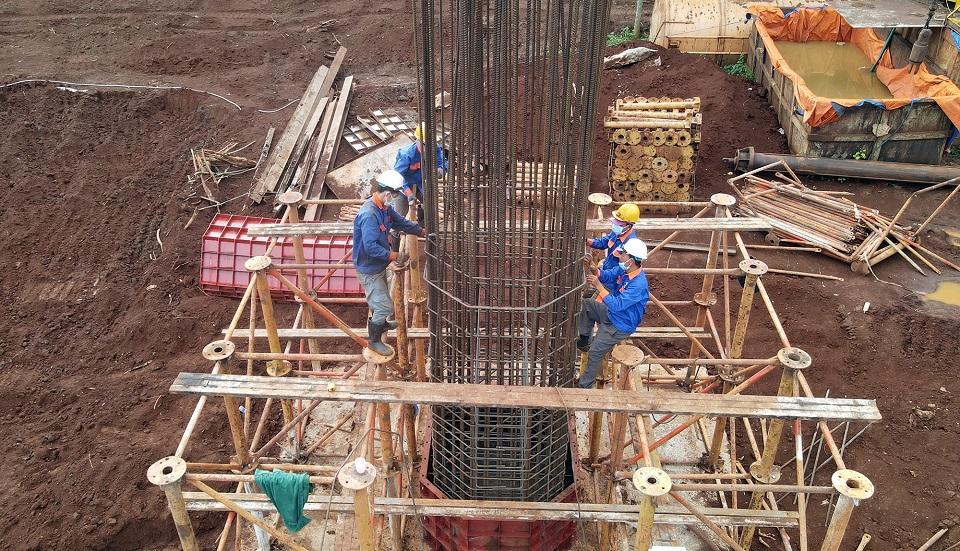 Hình ảnh chụp công nhân đang làm việc từ công trình gói thầu số 3